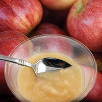 Cool, Creamy Applesauce